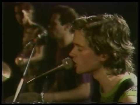 Violent Femmes - Kiss Off - (Live at the Hacienda, Manchester, UK, 1983)
