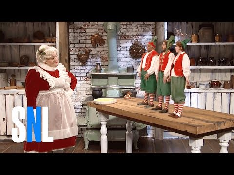 Mrs. Claus & The Elves - SNL