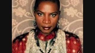 Angelique Kidjo: Idjé - Idjé