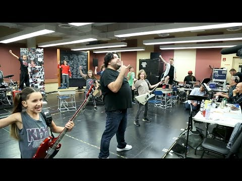 Watch Rob Colletti & the Cast of the SCHOOL OF ROCK Tour Jam Out in Rehearsal