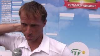 Jaroslav Pospíšil po prohře v prvním kole na turnaji Futures v Pardubicích