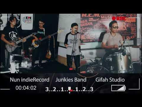 Boomerang - Tragedi || Cover By Junkies || Gifah Studio
