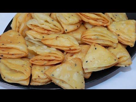 एक बार इस आसान तरीके से खस्ता परतदार नमकपारे को बना कर देखे | Nimki/Mathri Recipe - Tea Time Snacks