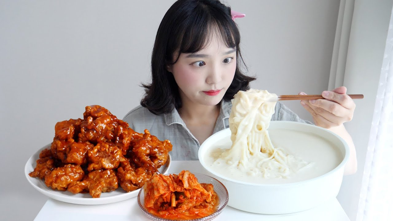 크리미한 콩국수와 닭강정 먹방☁️이 조합 모르는 사람 없게해주세요 ft. 진주회관 콩국수 REALSOUND MUKBANG   cold bean-soup noodles :D