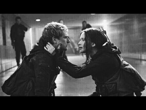 Hunger Games- Pᴇʀғᴇᴄᴛ (Katniss x Peeta) - YouTube