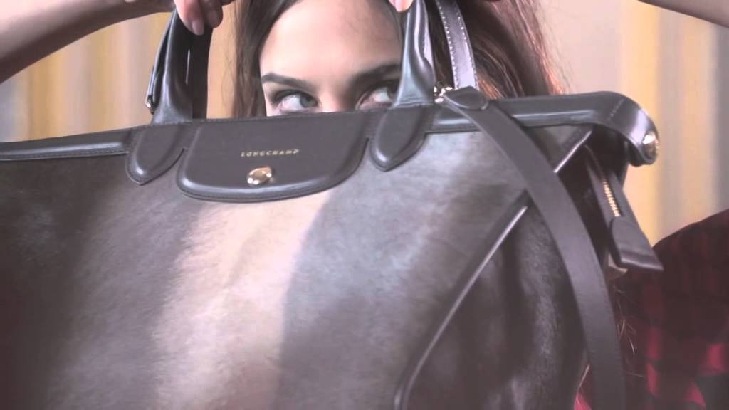 los recién llegados 62f87 ab061 Campaña de Longchamp con Alexa Chung   Elle España