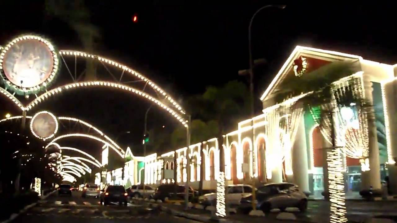 Natal Iluminado São Paulo 2010 - Shopping Interlagos - YouTube fb12e8974b