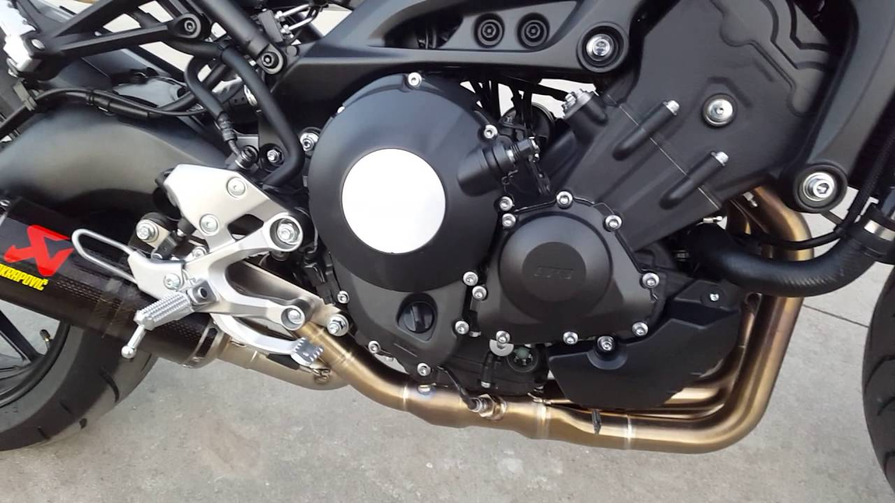 XSR900 Akrapovic Carbon Exhaust