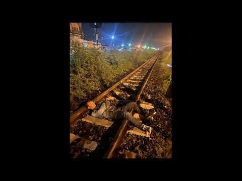 Download สระบุรี..280863 ชายวัย 35 ปี เครียดหาสมัครงานไม่มีใครรับ ตัดสินใจนอนให้รถไฟทับหวังฆ่าตัวตาย
