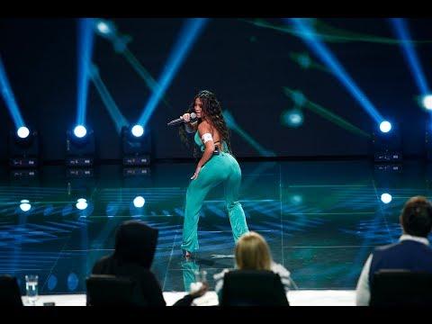 """Jessie J - """"Bang Bang"""". Vezi cum cântă Bella Santiago, pe scena """"X Factor"""""""