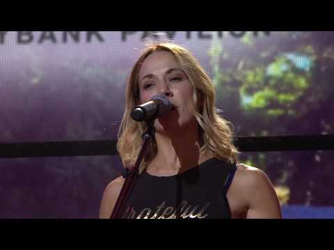 Sheryl Crow - My Favorite Mistake (Live at Farm Aid 2017)