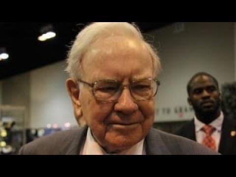 Warren Buffett on Apple investing in Tesla: It would be a poor idea
