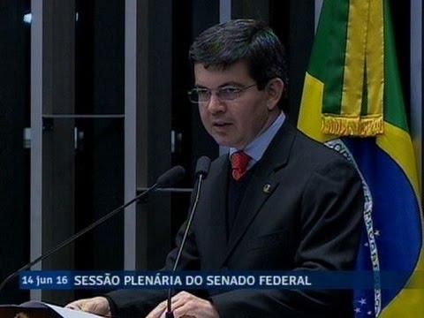 Randolfe Rodrigues alerta sobre prazo para votação da MP que prorroga Programa Mais Médicos