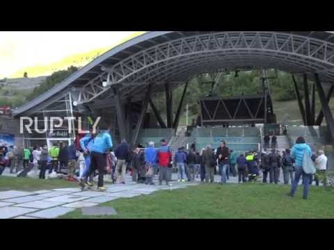 Italy: Over 30 tourists rescued after night trapped in Mont Blanc cable cars