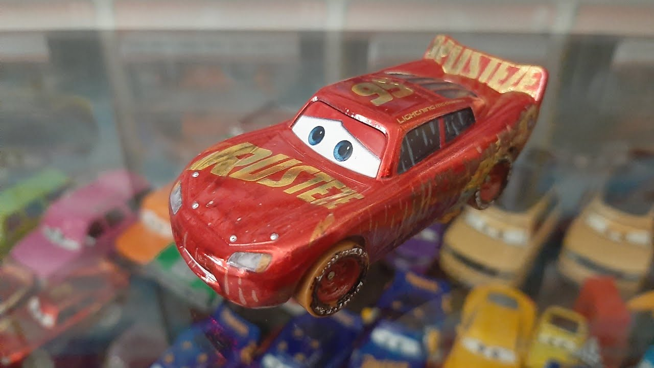 Mattel Disney Pixar Cars 3 Muddy Rust Eze Racing Center Lightning