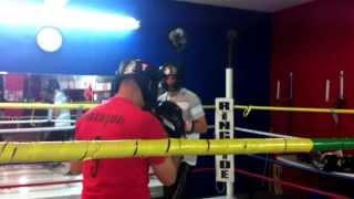 Sparring Round 1 EAGG en Mexicali Gym Master Arvizu el 05/12/2013