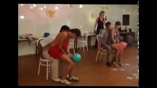 Repeat youtube video Funny, Cute ans Sexy Balloon Contest at Russian Wedding