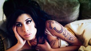 Video Amy Winehouse Makeup Tutorial download MP3, 3GP, MP4, WEBM, AVI, FLV Mei 2018