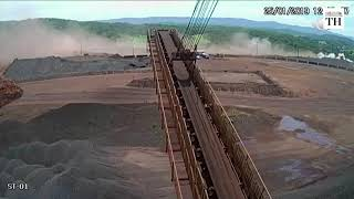 Video shows exact moment Brazil dam collapsed