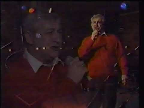 "Jim Devine singing ""Cold Cold Heart"" by Hank Williams karaoke"