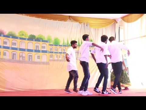 Sharadambaram Ennu Ninte Moideen  funny dance in chinmaya mission college