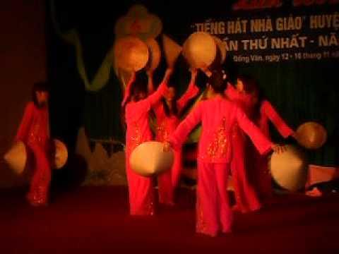 Múa: Chiếc áo bà ba - Hoàng Hằng và tốp múa
