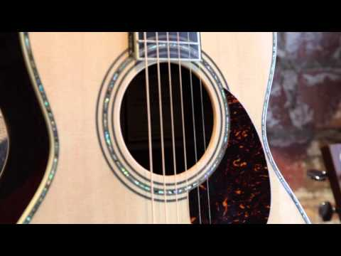 Martin 00-42SC John Mayer Acoustic Centre TV