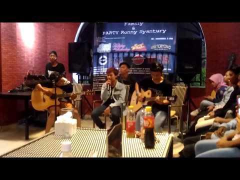 Nobitasan - Pergilah (Live Acoustic at Green Lake City Tangerang)