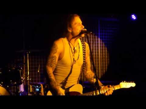 Mike Tramp & Band of Brothers - Broken Heart (Live) @ Ballroom Hamburg 06.03.17