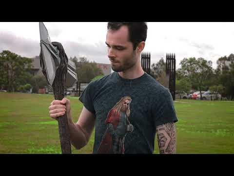 Marvel - Avengers: Endgame Thor's Stormbreaker Axe Replica - Video