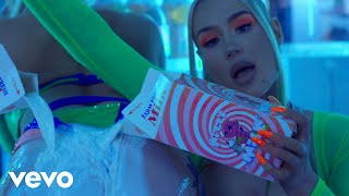 Iggy Azalea, Tyga - Sip It (Official Video)
