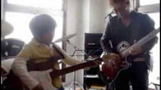 最短距離でエレキギターを上達させる練習方法・演奏方法とは?