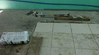 Укладка плитки в гараже, выбор основания(Для того, чтобы пол не пылил я выбрал что будет лежать плитка. Видео обоснование., 2016-04-28T20:39:39.000Z)