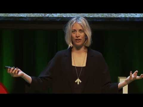 Un/Dressing as a Strategy to Gain Freedom in Public Spaces | Elin Berge | TEDxUmeå