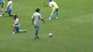 Ronaldinho warming up