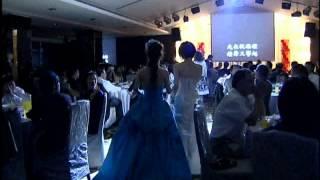 景文vs緗綺(結婚)第二次進場(新郎唱劉德華結婚進行曲).mov