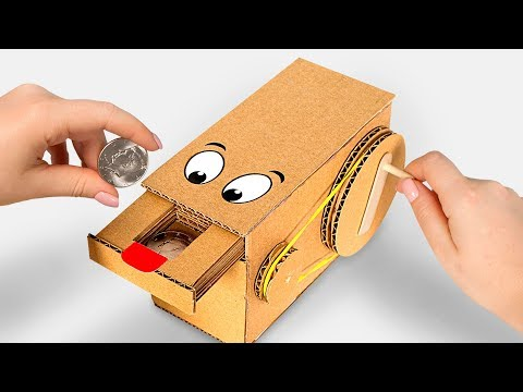 Hou la la ! La superbe tirelire en carton faite à la main !