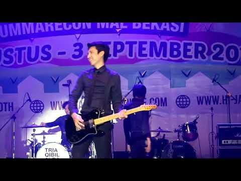 The Changcuters - Gila-Gilaan live ( fancam @JakCloth Bekasi 1 September 2017)