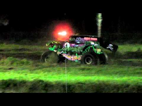 Grave Digger Freestyle In Naples Florida 2010 (Randy Brown)