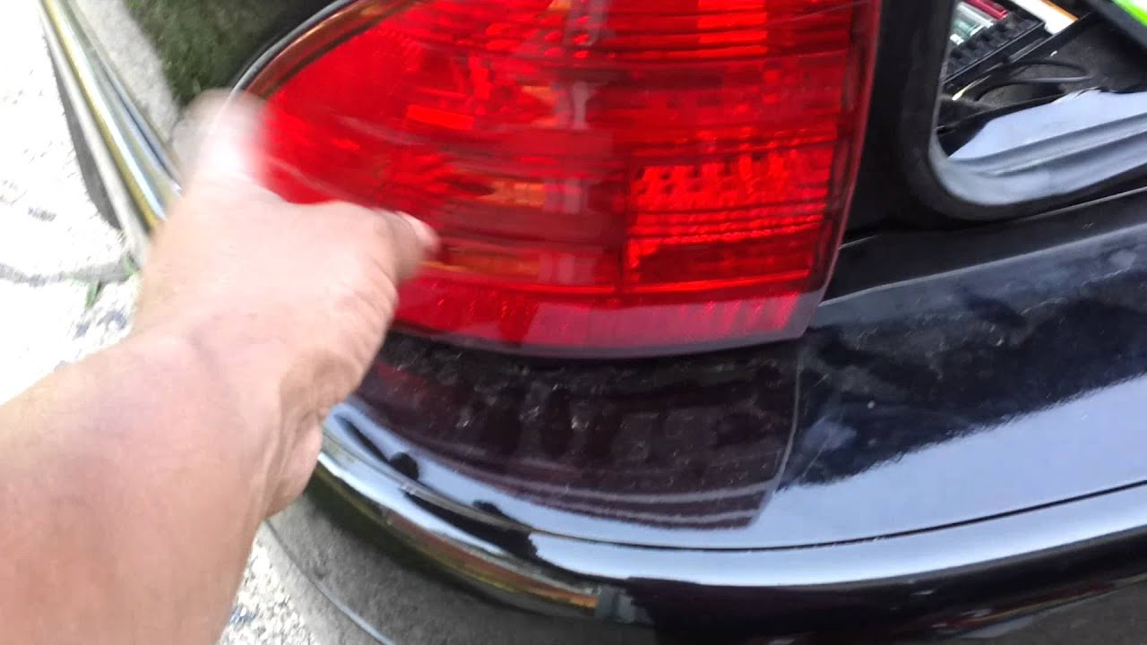 Brake Light Replacement On The Lincoln Ls 2001