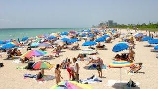 5 Pantai Dengan Pengunjung Tanpa Busana