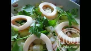 Рецепт салата с консервированными кальмарами и соленым огурцом