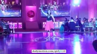 Desi Hot Girl Pakistani Wedding Dance on Bollywood Song
