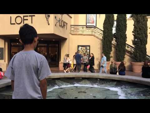 Water fountain at fashion island Newport Beach slomotion