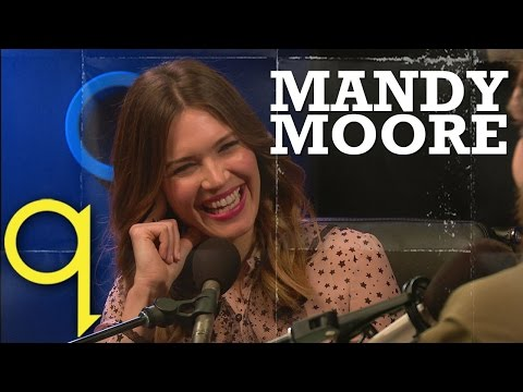 Mandy Moore tears up over monologue