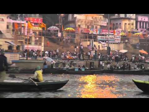 20 India, Varanasi - Morning Boat Ride on Ganges River (2013)
