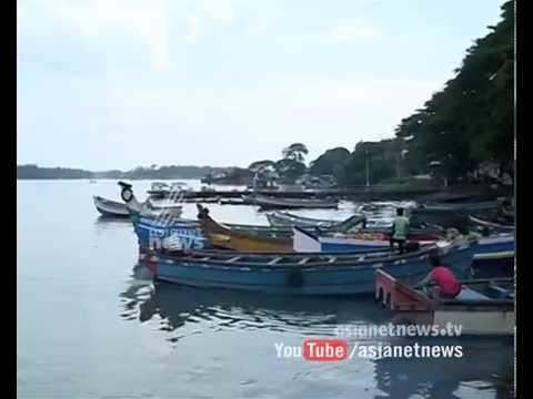 Two Kerala fishermen missing  in boat capsized