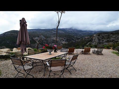 Достопримечательности Испании. Необычный ресторан в горах