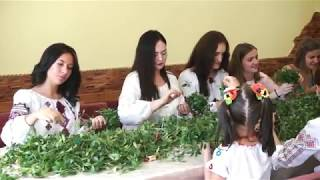 Українські весільні традиції Вінкоплетення Пісні Весілля Шлюбні звичаї обряди коса як сплести вінок