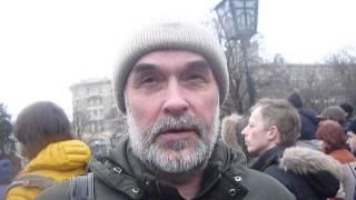 Разговоры о Крыме на марше плакальщиц с провокаторами которые хотели замайданить(, 2015-03-02T22:54:52.000Z)